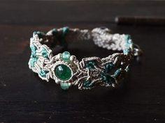 Lovely green-inspired bracelet