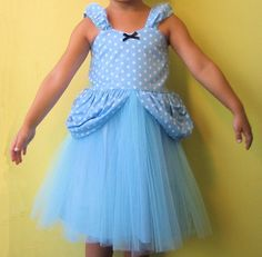 "Cinderella ""tutu"" dress inspiration.  Looks easy to DIY.   ;)"