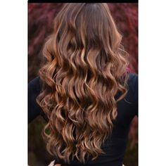 dark brown hair with caramel highlights ❤ liked on Polyvore featuring beauty products, haircare, hair styling tools, hair, hair styles and hairstyles