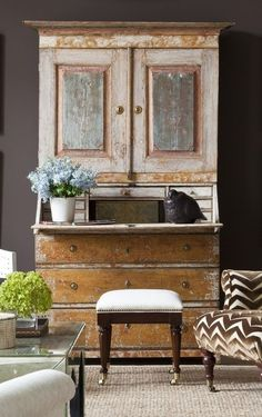More color palette inspiration with mix of modern bold and antique furniture <3