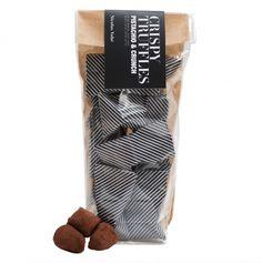 Nicolas Vahé truffels met pistache & crunch  SHOP ONLINE: http://www.purelifestyle.be/shop/view/giving/verwennerijen/nicolas-vahe-krokante-truffels-met-pistache-crunch