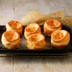 Yorkshire Pudding recipe: How to make Yorkshire puddings - Good Housekeeping