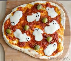 What spooky ways to use so many of our favorite DeLallo products... Ghost Pizza! (chefmom.sheknows.com) #italian #halloweenrecipeideas