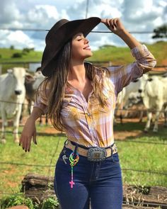 Roxy cowgirl outfits denim on stylevore Rodeo Outfits, Western Outfits, Cute Outfits, Cute Cowgirl Outfits, Hot Country Girls, Country Women, Cow Girl, Western Girl, Western Wear