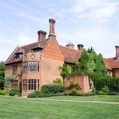 Ryan & Holly - Woodhall Manor Wedding Venue #hitchedrealwedding