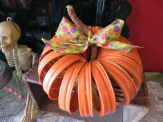 The Messy Roost: Mason Jar Lid Pumpkin