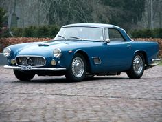 Vergane glorie: Maserati 3500 GT, het begin van een legende - VROOM. Maserati Car, Bugatti, Ferrari, Sexy Cars, Hot Cars, Classic Sports Cars, Classic Cars, Classic European Cars, Classic Italian