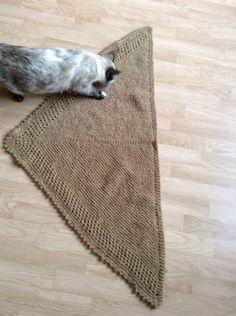Châle fil doré avec laine mérinos et alpaga Je tricote pour vous: isatis21@yahoo.fr