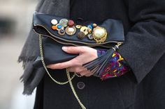 Grey outfit with hints of colors: DIY embellished clutch by Virginie Peny, details