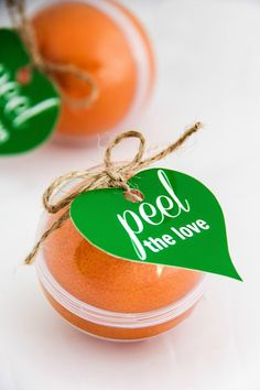 Peel the love Halos mandarin takeaway craft perfect for Valentine's day! It's easy with a couple supplies from the local store and a free printable.