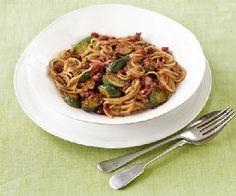 Low FODMAP Recipe - Zucchini & tomato linguine http://www.ibssano.com/low_fodmap_recipe_zucchini_tomato_linguine.html