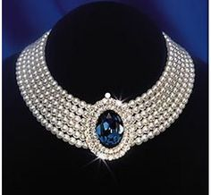This spectacular seven-strand pearl choker with a large blue sapphire surrounded… - Pearl Jewelry Royal Jewelry, Tiffany Jewelry, Pearl Jewelry, Jewelery, Silver Jewelry, Vintage Jewelry, Fine Jewelry, Jewelry Necklaces, Unique Jewelry