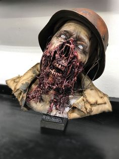 THE WALKING DEAD TRIBUTE LIFE SIZE ZOMBIE BUST DEAD SNOW HALLOWEEN PROP NON MASK