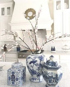 Kitchen countertop with blue and white ginger jars. nothing looks better in a marble countertop than blue and white ginger jars! Decor, Blue Decor, White Decor, Kitchen Island Decor, Oriental Decor, Country Cottage Decor, Blue White Decor, Blue Kitchen Decor, Blue And White