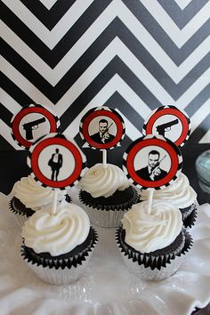1000 images about james bond party on pinterest james for 007 decoration ideas