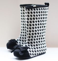 Oh my gosh, @Trish Smith Have you seen this website for little girl shoes?!!!  It would be a crime for your girl not to have a pair! http://joyfolie.com/boots/houndstooth-boots#