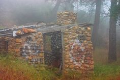 Creepy shack in the fog at Beeks Place at Black Star Canyon