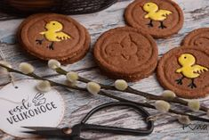 Koka sušenky nejen pro koledníky Food And Drink, Sugar, Cookies, Desserts, Crack Crackers, Tailgate Desserts, Deserts, Cookie Recipes, Postres