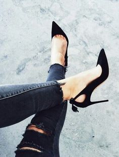 Black pumps are usually one of the must-haves. But if you're tired of simple pumps, here's a black lace up heels that will make you feel much more sexy; Dream Shoes, Crazy Shoes, Zapatos Shoes, Shoes Heels, Flats, Jeans Heels, Shoes Uk, Golf Shoes, High Heel Pumps