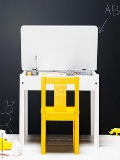 <p><strong>SUNDVIK barnskrivbord är ett jättebra ställe för små barn att sitta och rita vid, utforska och lära sig nya saker. Det här skrivbordet rekommenderas för 3- till 7-åringar och finns i vitt och svartbrunt, designat av Eva Schildt.</strong></p>