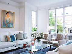 Inside a Family's Fresh, Timeless Home: Classic details and fresh white spaces make this spacious apartment sing. Home Decor Trends, Home Decor Inspiration, Beautiful Interiors, Decorating Your Home, Decorating Ideas, Decor Ideas, Decoration, Living Spaces, Living Rooms