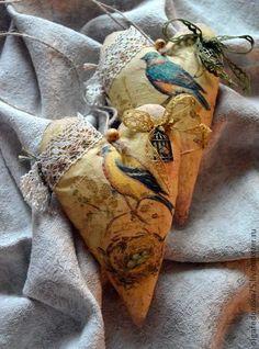 "Подвески ручной работы. Ярмарка Мастеров - ручная работа Винтажные сердечки ""Птички"". Handmade. Soft Heart, Lace Heart, Fabric Hearts, Fabric Flowers, My Funny Valentine, Valentines, Heart Projects, Shabby Chic Crafts, Flower Pillow"