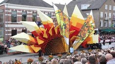 A Van Gogh-inspired float in the 2015 Zundert Flower Parade. (Werner Pellis)   The Most Amazing Flower Festivals in the World (PHOTOS) | The Weather Channel