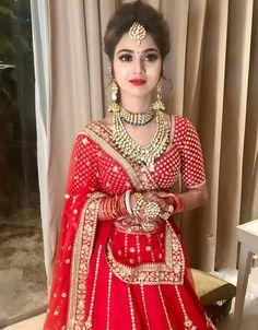 Indian Bridal Outfits, Indian Bridal Lehenga, Indian Bridal Makeup, Indian Bridal Fashion, Indian Bridal Wear, Bridal Dresses, Wedding Makeup, Bridal Jewellery Inspiration, Bridal Hair Buns