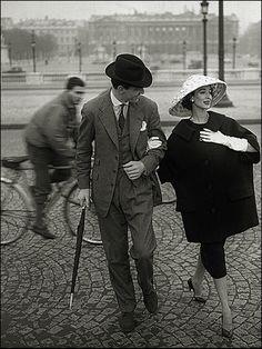 Paris! Model Dorian Leigh Photo by Georges Dambier, Place de la Concorde, Ensemble by Christian Dior, Elle Magazine, 1957