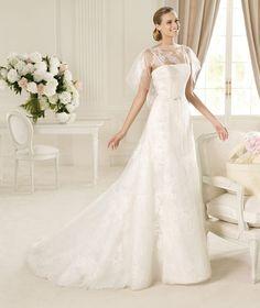 Elegant A-line Strapless Lace Sweep/Brush Train Tulle Wedding Dresses : Wedding Dresses, Bridesmaid Dresses, Gowns Online Shop, | Aisle Style UK