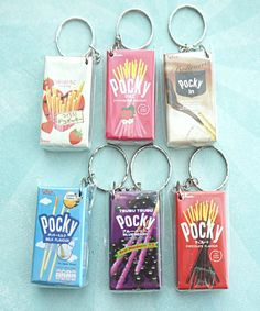 Pocky Snack Boxes Keychain - Jillicious charms and accessories - 1 Cute Jewelry, Jewelry Accessories, Funky Jewelry, Funky Earrings, Fimo Kawaii, Acrylic Charms, Resin Charms, Cute Keychain, Cute Charms