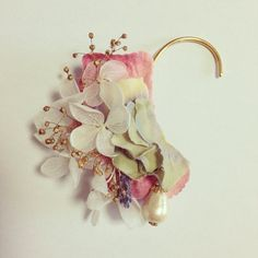 実り色イヤーカフ Craft Accessories, Handmade Accessories, Bridal Accessories, Handmade Jewelry, Cuff Earrings, Beaded Earrings, Resin Crafts, Unique Necklaces, How To Make Beads