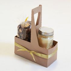Kraft Gift Carrier   8 x 3 5/8 x 10 1/4  Set of by leboxboutique, $23.99