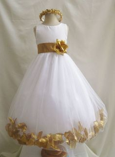 So cute! Gold and white flower girl dress with golden flower and leaves #wedding #gold #goldwedding #glam #dress