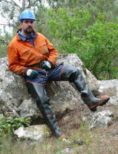 Worker Boots, Wellies Boots, Hard Hats, Mens Attire, Bear Men, Cute Guys, Overalls, Mens Fashion, Clothes For Women