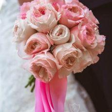 pink-roses-david-austin-wedding-bouquet