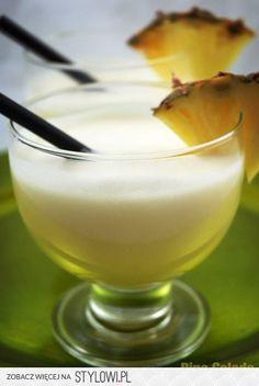 Składniki: białego rumu lub malibu (u mnie pół na… Blue Curacao, Triple Sec, Mixed Drinks, Love Food, Glass Of Milk, Rum, Smoothies, Alcoholic Drinks, Pudding