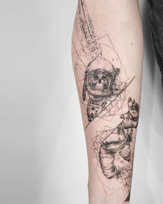 If you are looking for Astronaut Tattoo then you are in right place. Here you will get cool space tattoo ideas for your body art tattoo designs. Space Tattoo Sleeve, Geometric Sleeve Tattoo, Tattoo Sleeve Designs, Tattoo Designs Men, Cool Forearm Tattoos, Body Art Tattoos, Cat Tattoos, Ankle Tattoos, Arrow Tattoos