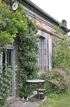 Le Château - gardens -