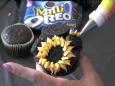 Sunflower cupcake video tutorial by the Make and Take Gals