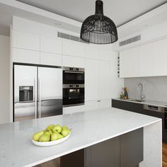 A neutral dream kitchen on The Block With a perfect score on this fantastic space we can see why Josh & Elyse took out Kitchen Week! Noble Grey used for the Island with stunning shadow-line feature - Discover the full kitchen by Kitchen Pantry, Kitchen Reno, Kitchen Ideas, Noble Grey Caesarstone, The Block Kitchen, Kitchen Interior, Kitchen Design, Living Room Kitchen, Country Kitchen