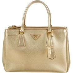 Pre-owned Prada Small Saffiano Lux Galleria Double Zip Tote (3.255 BRL) ❤ liked on Polyvore featuring bags, handbags, tote bags, gold, leather tote handbags, prada tote bag, handbag purse, leather tote and zippered leather tote - Sale! Up to 75% OFF! Shop at Stylizio for women's and men's designer handbags, luxury sunglasses, watches, jewelry, purses, wallets, clothes, underwear & more!