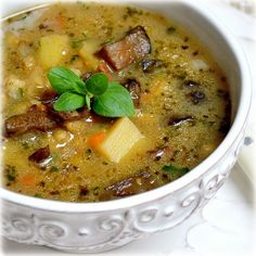 Potato soup - this is my favorite Czech soup. Shredded Potatoes, Shredded Carrot, Dried Mushrooms, Stuffed Mushrooms, Czech Recipes, Ethnic Recipes, Potato Soup, Soups And Stews, Cheeseburger Chowder