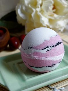 Black Raspberry Vanilla Bath Bomb - 5 Ounces