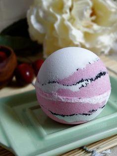 Black Raspberry Vanilla Bath Bomb  5 Ounces by WhippedUpWonderful