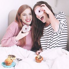 Dutch Instagrammers Sonja Vogel (@retrosonja) and @suzanne_brummel having fun with donuts and muffins in bed! - https://instagram.com/retrosonja