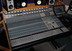 table de mixage neve 8028