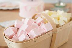 Guimauve fraise et citron. - (www.mllesgateaux.com)