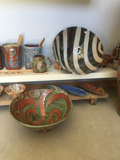some jumbo salad bowls and utensil holders. Brad Henry, Sparks Joy, Utensil Holder, Salad Bowls, Decorative Bowls, Pottery, Home Decor, Ceramica, Decoration Home