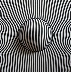 Op art by Núria Riera Illusion Kunst, Illusion Art, Fractal, 3d Drawings, Flower Drawings, Zentangle Patterns, Doodle Patterns, Doodle Borders, Henna Patterns